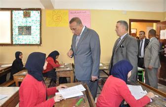 محافظ الجيزة يتفقد عددًا من لجان امتحانات الشهادة الإعدادية بالعجوزة | صور