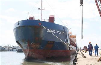 ميناء الصيد بالبرلس يستقبل السفينة رقم 37 المحملة بمهمات ومعدات محطة الكهرباء العملاقة  صور