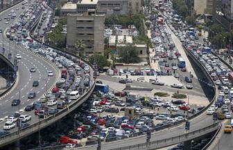 """كثافات مرورية بشوارع العاصمة.. و""""مرور القاهرة"""" تكثف خدماتها لتنظيم عملية السير"""