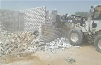 سكرتير محافظة السويس يستعرض خطة إزالة التعديات مع لجنة استرداد الأراضي
