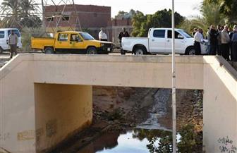 محافظ أسوان يتابع تنفيذ بيارة تصريف المياه الجوفية أسفل نفق السد العالي