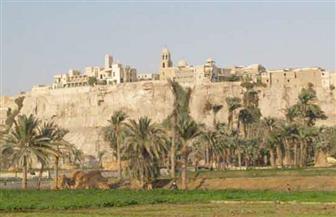 محافظ المنيا يتفقد منطقة دير السيدة العذراء الأثري بجبل الطير