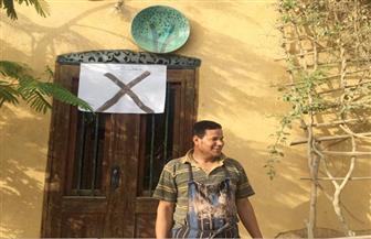 أصحاب ورش الخزف يحتجون على سحب قطعتي أرض من أهالي بقرية تونس في الفيوم لإقامة نقطة شرطة