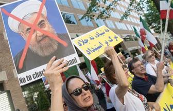 """شاهد.. أيدولوجية الخوميني """"تتصدع"""" مع ترشح """"رئيسي"""".. والإيرانيون ينفرون رجال الدين بتصدر """"روحاني"""""""
