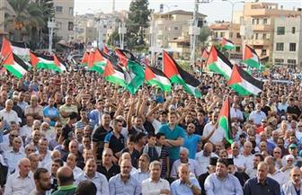 تظاهر آلاف الفلسطينيين في قطاع غزة للمطالبة بإنهاء حصاره