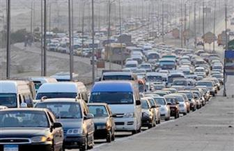 كثافات مرورية أعلى الطرق وبميادين القاهرة والجيزة