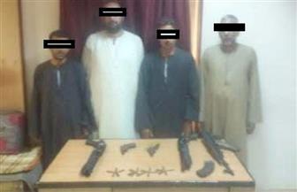 ضبط 33 من العناصر الخطرة بأسيوط بحوزتهم 21 قطعة سلاح