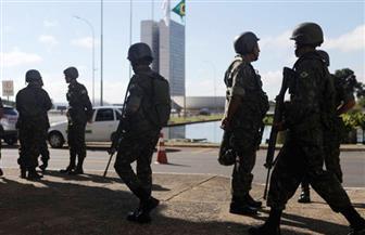 الجيش ينتشر في الأحياء الفقيرة في ريو دي جانيرو وسط اشتباكات بين الشرطة والعصابات
