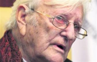 """وفاة الكاتب الأمريكي دينيس جونسون عن 67 عامًا صاحب رواية """"شجرة الدخان"""""""