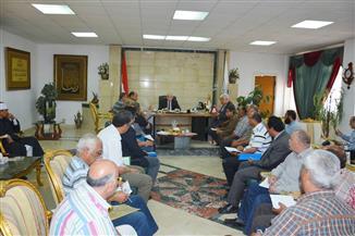 """""""فودة"""" يجتمع بالجهاز التنفيذي لمناقشة افتتاح بعض المشروعات والاستعداد لشهر رمضان بجنوب سيناء"""