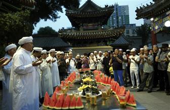 """رمضان في الصين يعرف باسم """"باتشاي"""".. والبطيخ يزاحم الفاكهة الاستوائية على موائد الإفطار"""