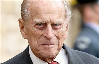 الأمير فيليب البريطاني يسلم قيادة عسكرية شرفية لكاميلا