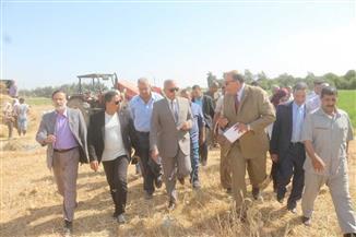 """""""حامد"""" يتفقد مطاحن شرق الدلتا بالسويس لمتابعة تخزين القمح"""