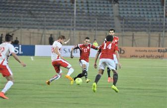 مراقب مباراة مصر وتونس يزور مقر إقامة المنتخب ويجتمع بإيهاب لهيطة