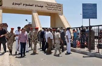 أمن مطروح: ضبط 38 عاملا مصريا بمنفذ السلوم البري لمغادرتهم البلاد بطريقة غير شرعية