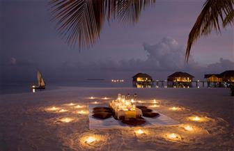 """رمضان في المالديف..المصلّون ينتظرون الفجر على الشواطئ...و""""كرات السمك"""" مكّون رئيسي لوجبة الإفطار"""