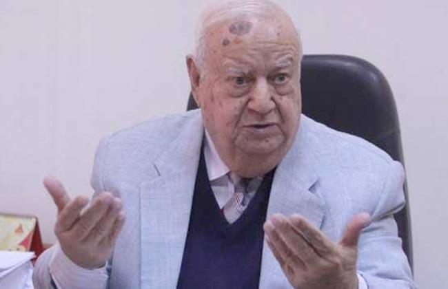 وزير الثقافة ناعيًا عادل غنيم مؤرخ عظيم قدم لمصر والقضية الفلسطينية الكثير من الأبحاث