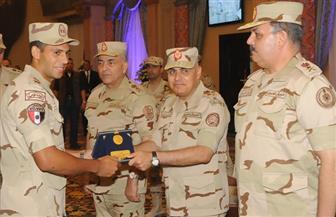 الفريق صدقي صبحي يلتقي مقاتلي الدفاع الجوي وأعضاء هيئة تدريس الكليات العسكرية بالكلية الحربية