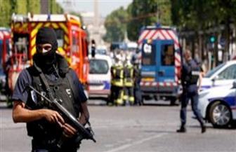 """الداخلية الفرنسية: سائق السيارة التي اصطدمت بحافلة الشرطة في الشانزليزيه """"لقي حتفه على الأرجح"""""""