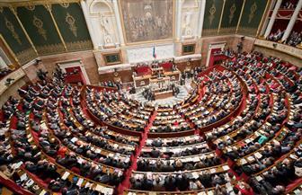 """الصحافة الفرنسية: حكومة ماكرون ترتدي """"زى الدفاع"""" أمام البرلمان لتبرير ضرب سوريا"""