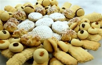 كعك وبسكويت وخبز في أول أيام عيد الفطر في بني سويف