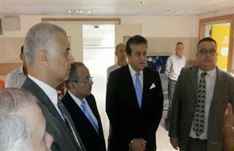 وزير التعليم العالي يتفقد مستشفى سموحة الجامعي ويعد بتقديم الدعم لتشغيلها بشكل كامل  صور
