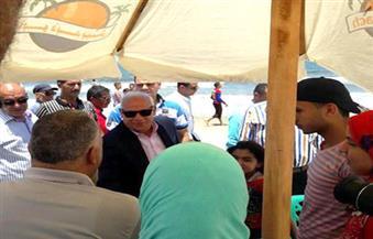 فى ثانى أيام العيد.. محافظ بورسعيد يتفقد الشواطئ ويلتقي روادها | صور