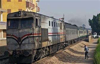 للمرة الثانية.. تعطل قطار وإصابة مساعد السائق بعد أن رشقه سمكري بالحجارة