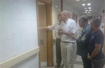 رئيس مدينة المحلة يفاجئ المستشفى العام  ويتابع تقديم الرعاية والخدمات وانتظام العمل | صور