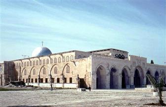 مستوطنون ومتطرفون يقتحمون المسجد الأقصى