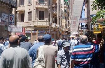 عمل فتحات طولية بعقار الإسكندرية المائل ﻹنزال ممتلكات السكان