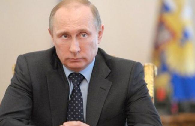 بوتين يدخل عزلا ذاتيا بسبب تعدد الإصابات بكورونا في دائرة المحيطين به