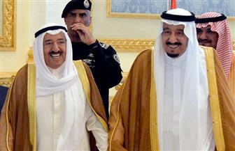 أمير الكويت يبدأ من جدة جهود الوساطة لحل الأزمة بين دول خليجية ومصر مع قطر