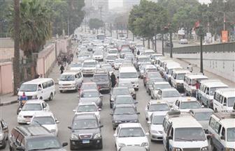 النشرة المرورية.. كثافات متوسطة بمحاور وطرق رئيسية بالقاهرة