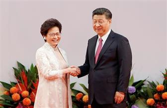 رئيسة هونج كونج التنفيذية تؤدي اليمين أمام الرئيس الصيني وسط تحذيرات من تحدي السلطة في بكين