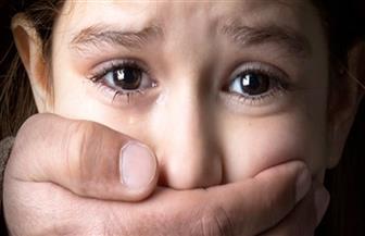 عجوز يغتصب حفيدته خمس سنوات بالسويس والنيابة تعرض الطفلة على الطب الشرعي