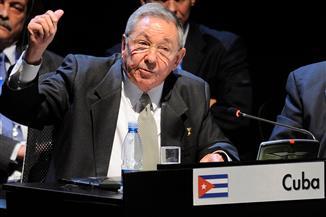 كاسترو يهاجم أمريكا في الذكرى الستين للثورة الكوبية