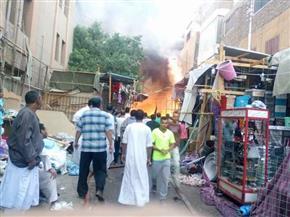 محافظ أسوان يتفقد موقع حريق السوق التجاري بأدفو