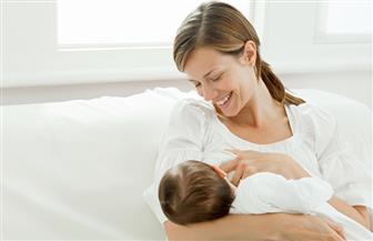 """في أسبوعها العالمي ..""""الرضاعة الطبيعية"""" تنقذ 820 ألف أم وطفل وتقي من 3 أمراض فتاكة"""