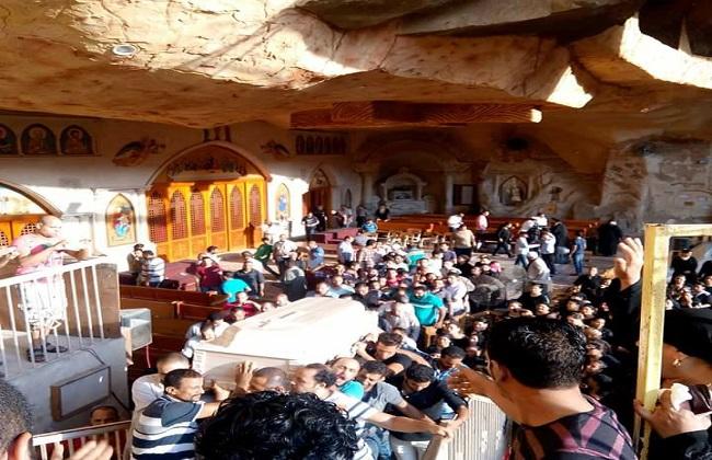 الكنيسة تقيم صلاة الجنازة على محتجز قسم منشأة القناطر -