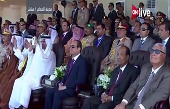 """بهاتفه الشخصي.. ولى عهد أبوظبي يلتقط صورًا للعروض الجوية المبهرة بقاعدة """"نجيب العسكرية"""""""