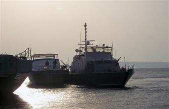 القوات البحرية تنقذ لنشًا سياحيًا من الغرق أمام سواحل الغردقة  صور