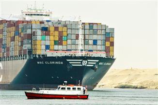"""""""مميش"""": عبور 44 سفينة قناة السويس بحمولة 2 مليون و600 ألف طن"""