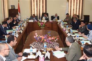وزير التعليم العالي يبحث ربط الأبحاث العلمية بالقطاع الصناعي بالإسكندرية
