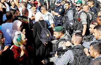 الفلسطينيون يواصلون اعتصامهم على أبواب المسجد الأقصى.. ولجنة من الأوقاف لفحص التجاوزات