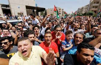 مئات المتظاهرين الأردنيين يطالبون بإغلاق السفارة الإسرائيلية في عمان