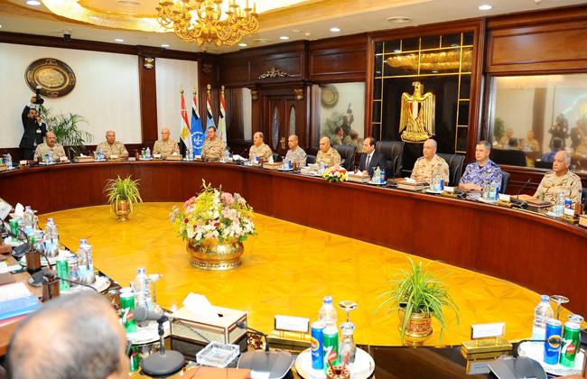 خبراء يرصدون رسائل مهمة من اجتماع المجلس الأعلى للقوات المسلحة -