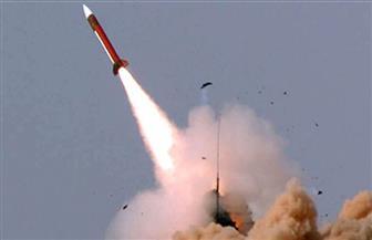 القوات الإيرانية تطلق صواريخ قرب حاملة طائرات أمريكية