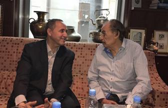 وزير الثقافة الجزائرى يلتقي عزت العلايلي في مهرجان وهران السينمائي | صور