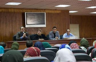 """جامعة المنصورة تطلق مبادرة تدريب وتوظيف أوائل خريجي """"الآداب"""" و""""التربية"""""""